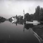 În ordinea planurilor: gondola, moscheea, Pavilionul Societății Astra-Arad, Pavilionul Oficial (?) și Poarta cea Mare