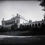 Vedere generală asupra Muzeului Național Militar, găzduit în clădirea fostului Palat al Artelor, construită pentru Expoziţia Generală Română din 1906 şi demolat în 1943