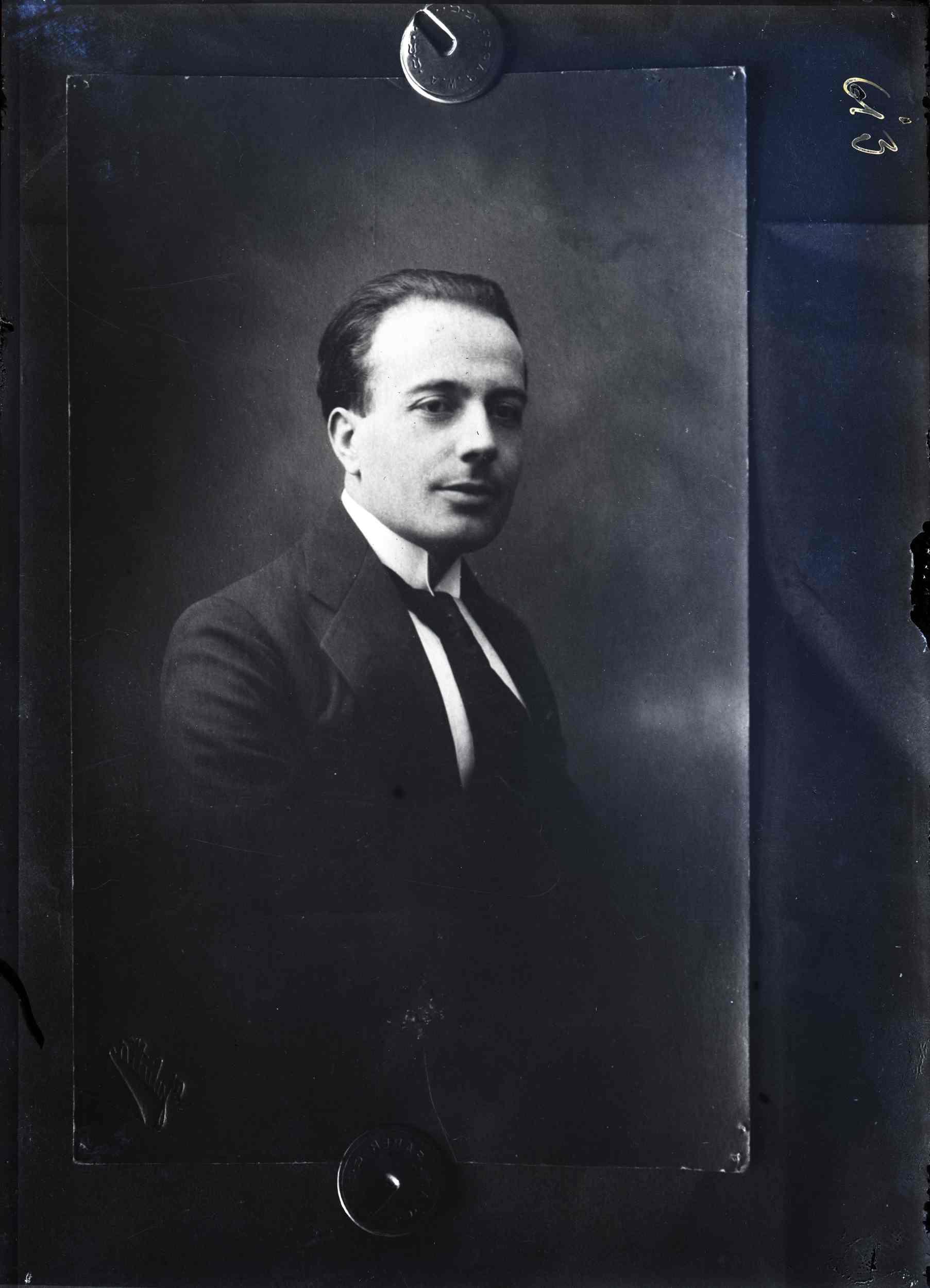 """Portretul lui Mihail Manoilescu, comisarul general al Expoziției-Târg, realizat la atelierul fotografic """"Foto Julietta"""