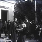 Regina Maria, alături de Mihail Manoilescu, comisarul general al Expoziției-Târg, vizitând Pavilionul Băncii Sindicatului Agricol Ialomița